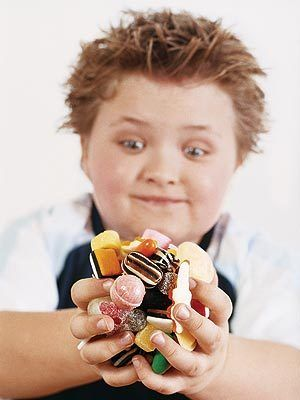 boy blows his parents entire life savings on candy que mas