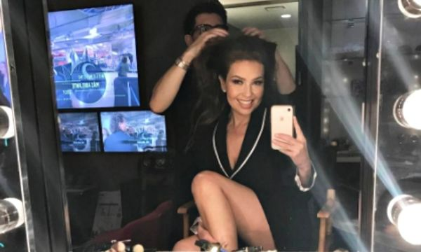 Thalia shows off tiny ...