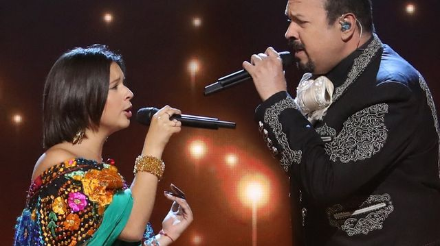9 Famous Latino Dads With Very Talented Daughters Mamáslatinas